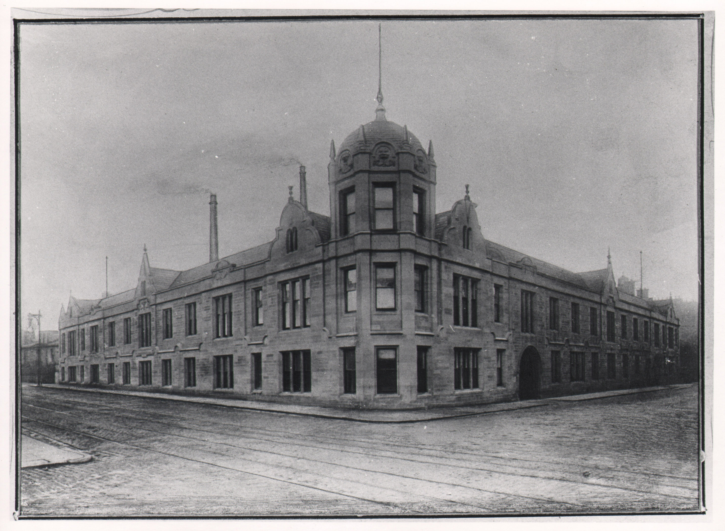 Exterior of the Middlemass Biscuit Factory (image courtosy of the National Library of Scotland)